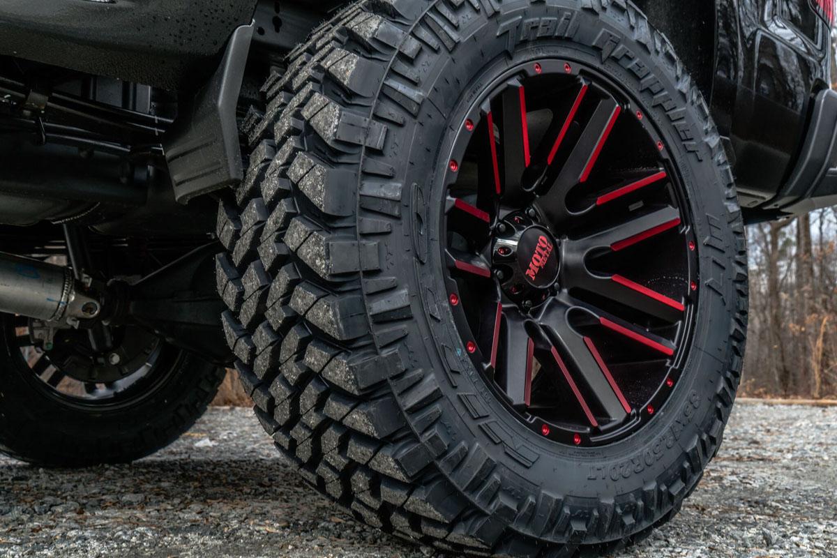 "Chevy Silverado w/ 20x10 MotoMetal MO978 Wheels & 35"" Nitto Trail Grappler Tires"