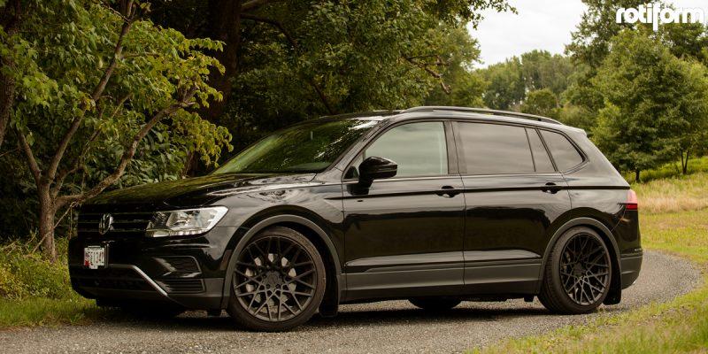Volkswagen Tiguan 20x10 Rotiform BLQ Wheels