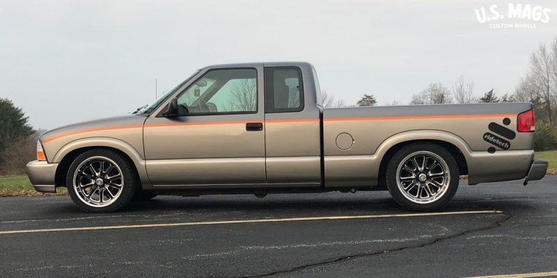 GMC Sonoma 18x8 USMags Rambler u117 Wheels