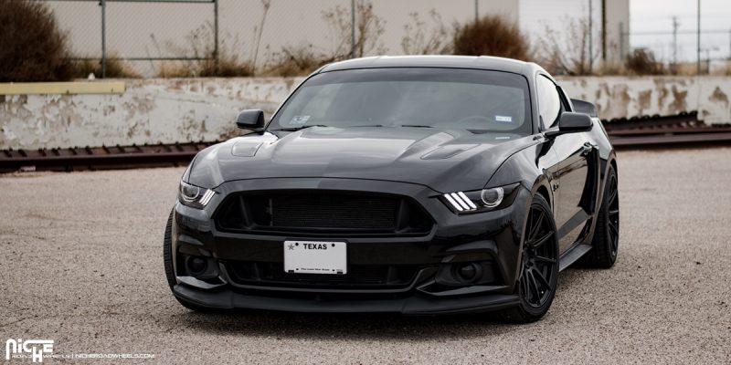 Ford Mustang 20x10 Niche Essen M147 Wheels