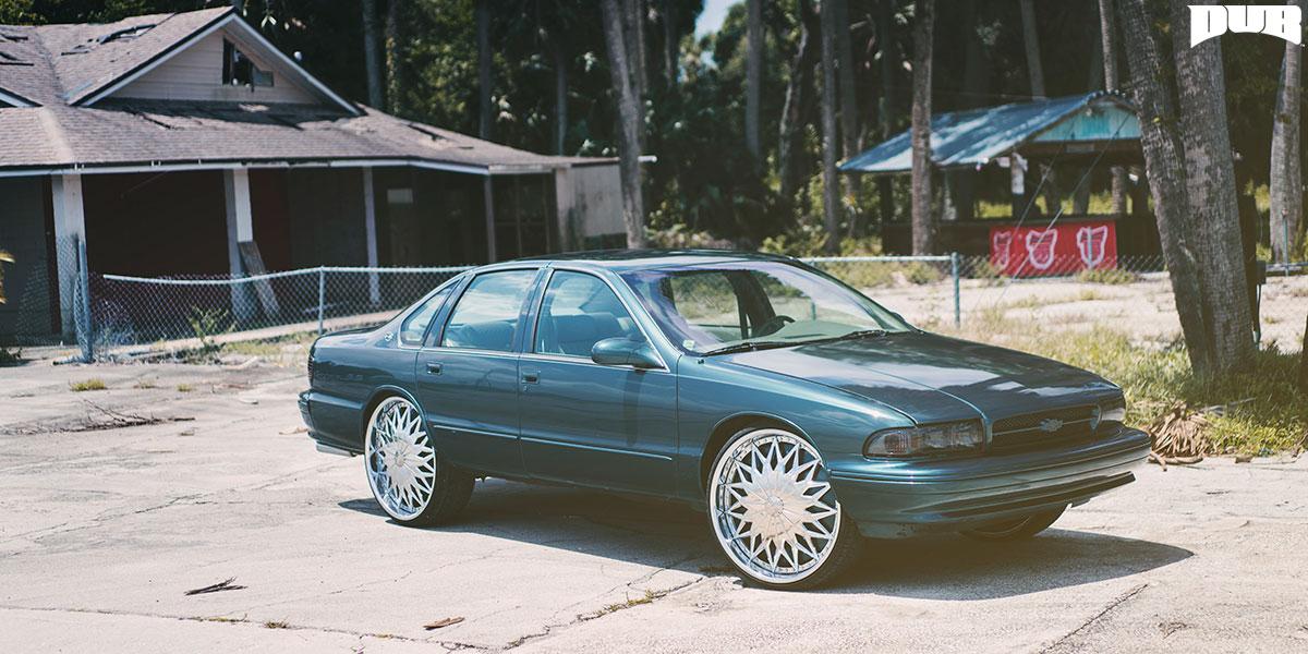 Chevrolet Impala 26x9 DUB Joker S787 Wheels