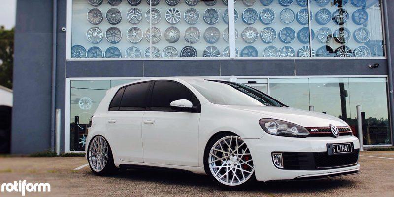 Volkswagen GTI 19x8.5 Rotiform BLQ Wheels