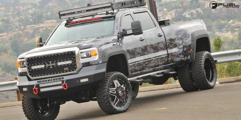 Chevrolet Silverado 3500 HD 22x8.24 Fuel Full Blown Dually Front D254 Wheels